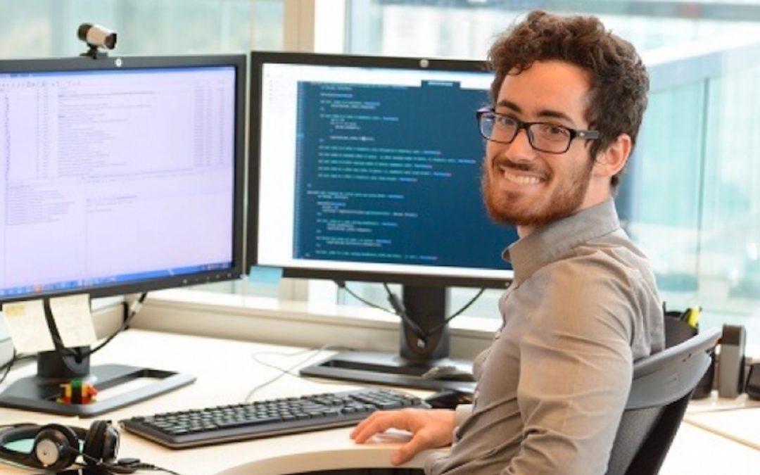 Recherches web et processus d'achat : quelles sont les habitudes des ingénieurs et des techniciens ?